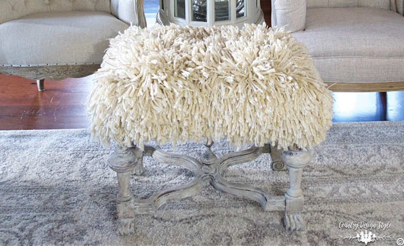 shaggy-ottoman-country-design-style-countrydesignstyle-com