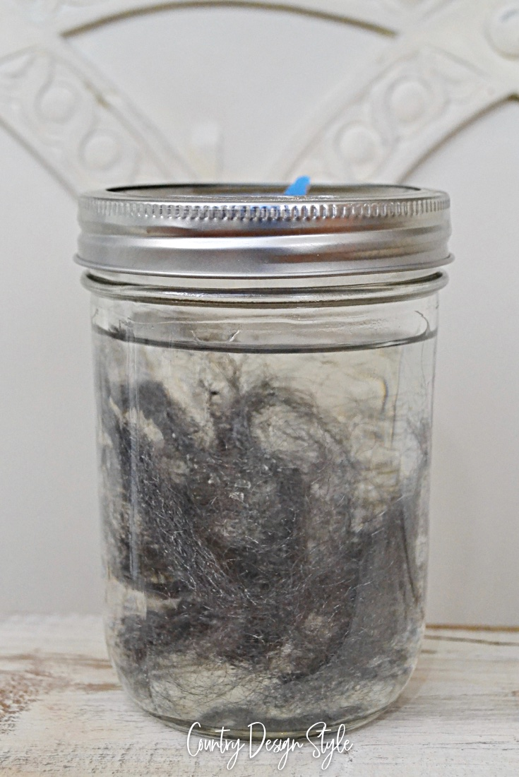 Soaking steel wood in vinegar