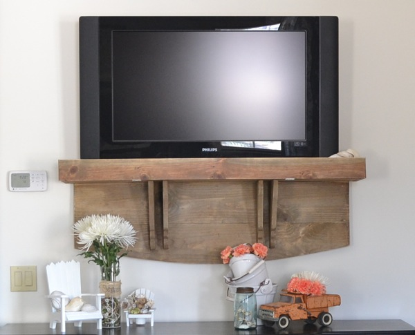 Hows Your TV Hanging Country Design Style