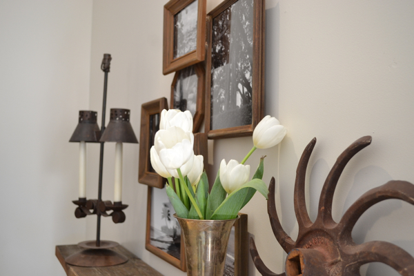 rustic frames layered http://countrydesignstyle.com