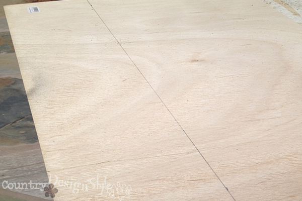cutting plywood http://countrydesignstyle.com