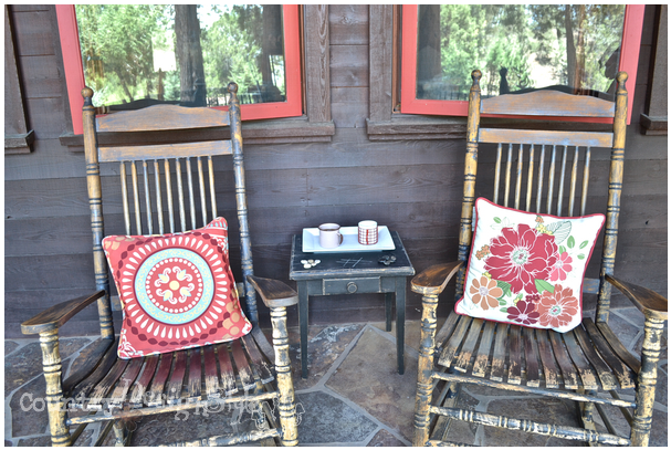 rocking chairs http://countrydesignstyle.com #hometour #blogtour #summer