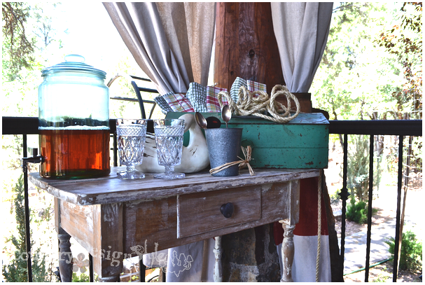 side table http://countrydesignstyle.com #hometour #blogtour #summer
