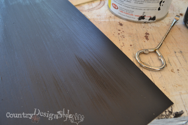 black chalkboard paint http://countrydesignstyle.com #chalkboard #thriftydecorating