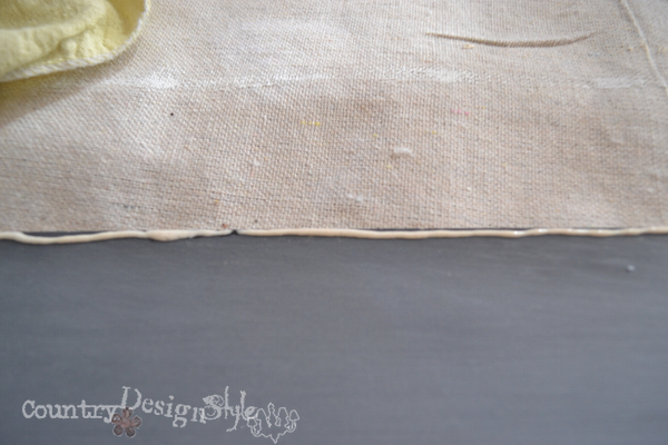 glued in place http://countrydesignstyle.com #chalkboard #thriftydecorating