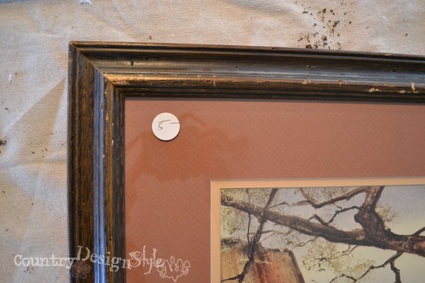 thrift shop frame https://countrydesignstyle.com #chalkboard #thriftydecorating