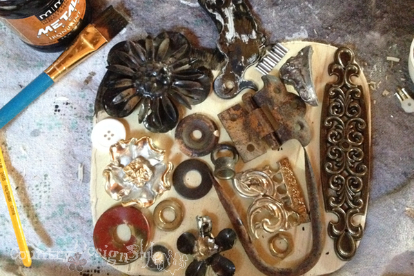 ready to rust http://countrydesignstyle.com #scraps #junk #pumpkins