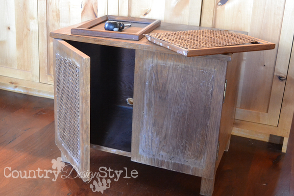 crate-furniture-red-lettering-country-design-style-2