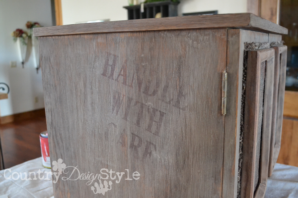 crate-lettering-red-country-design-style-9