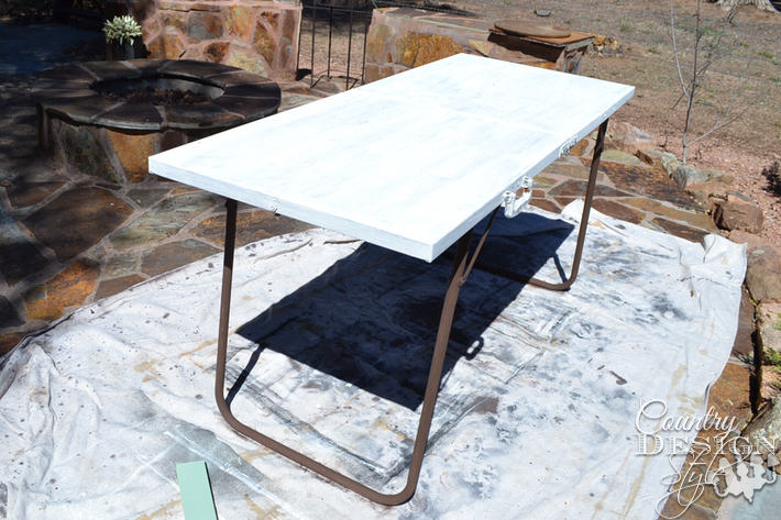 remake-folding-table-country-design-style