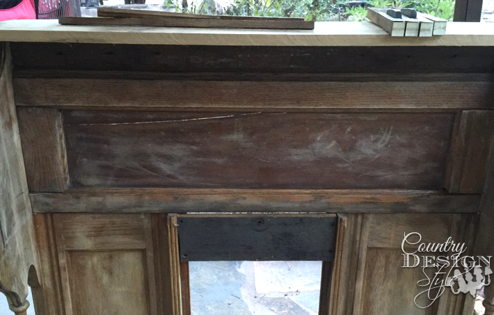 Adding organ keys and molding to faux mantel   countrydesignstyle.com