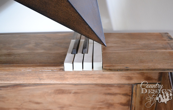 metal star with piano keys | countrydesignstyle.com
