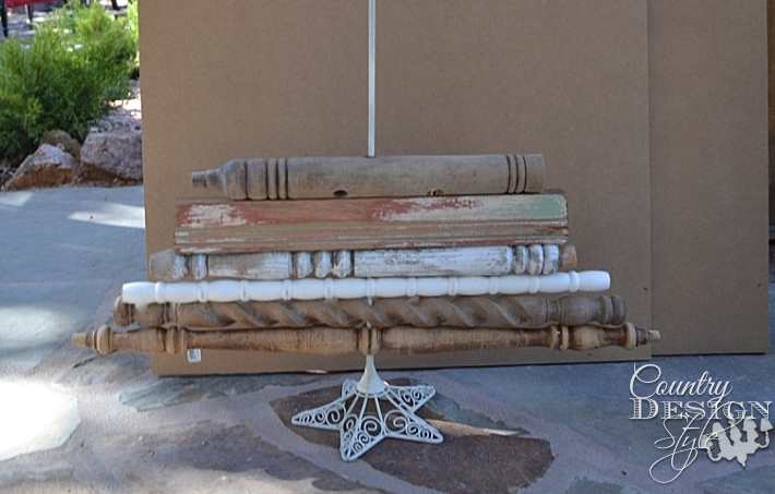 Easy vintage style Christmas tree made from old spindles | countrydesignstyle.com