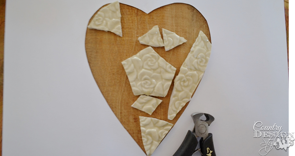 Nippers for mosaic heart plaque | Country Design Style | countrydesignstyle.com