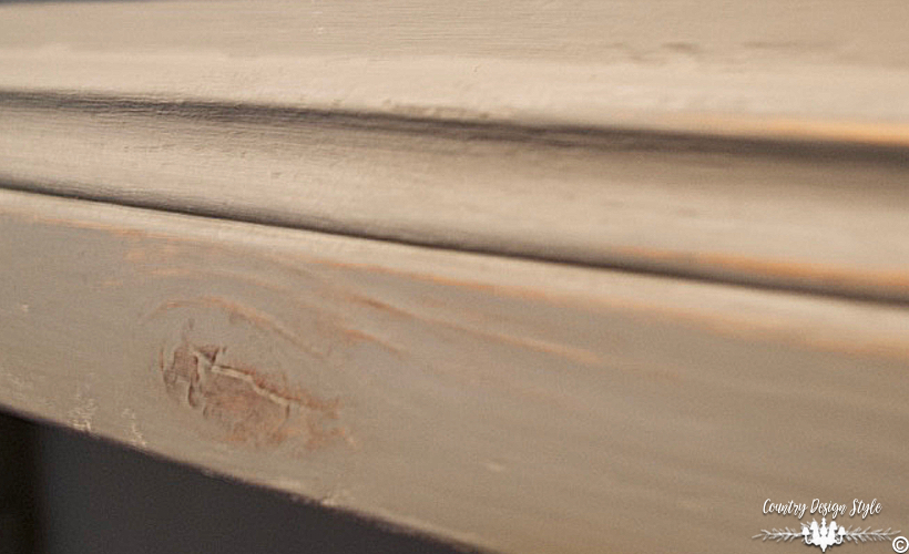 Sanding-Furniture-Tips-wood-grain| Country Design Style | countrydesignstyle.com