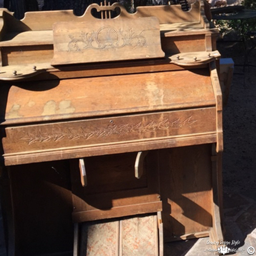 Pump-organ-makeover-before | Country Design Style | countrydesignstyle.com