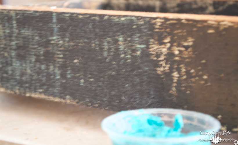 Handmade-furniture-wax-turquoise | Country Design Style | countrydesignstyle.com