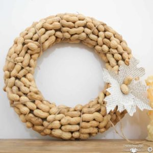diy-peanut-wreath-finished-country-design-style-countrydesignstyle-com
