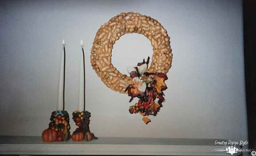 diy-peanut-wreath-from-years-ago-country-design-style-countrydesignstyle-com