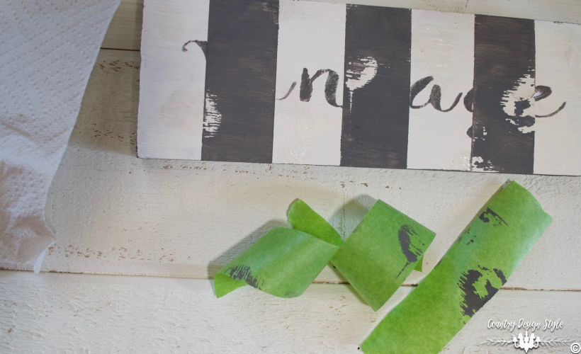 DIY-wood-signs-distressed | Country Design Style | countrydesignstyle.com