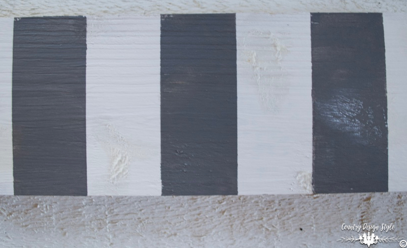 DIY-wood-signs-striped-gray | Country Design Style | countrydesignstyle.com