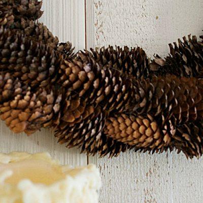 How to Make a Pine Cone Wreath