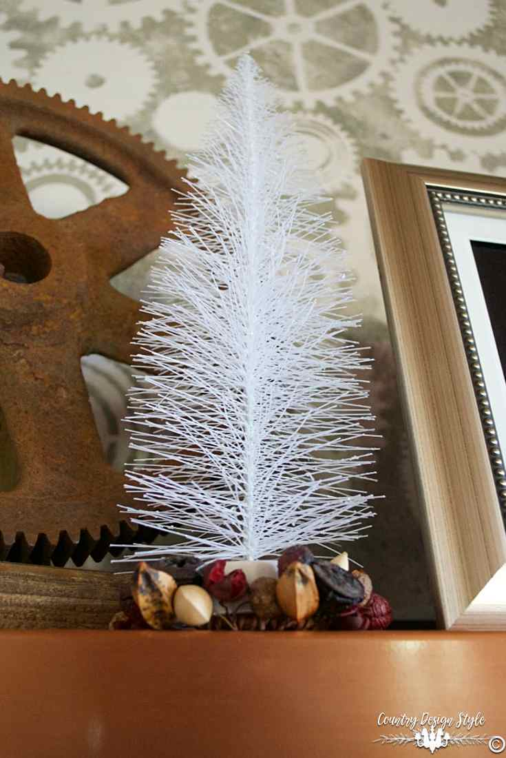 christmas-tree-ideas-mantel-tree-white-country-design-style-countrydesignstyle-com