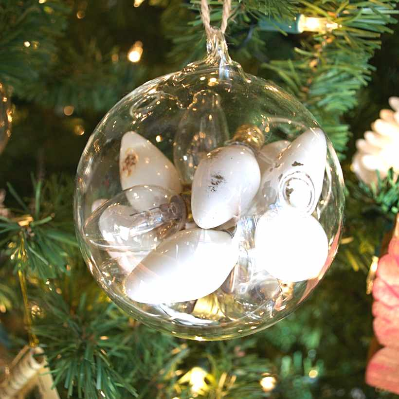 christmas-tree-ideas-dead-bulbs-country-design-style-countrydesignstyle-com
