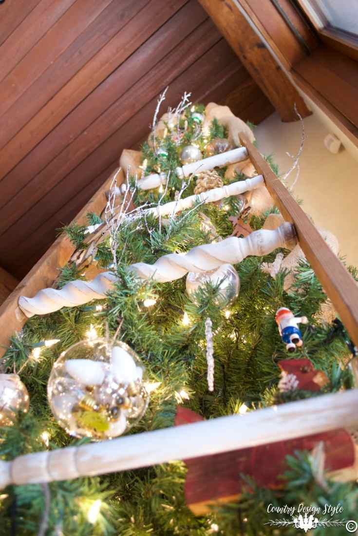 christmas-tree-ideas-ladder-to-the-top-country-design-style-countrydesignstyle-com