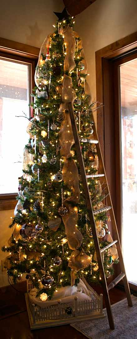 christmas-tree-ideas-tree-and-ladder-country-design-style-countrydesignstyle-com