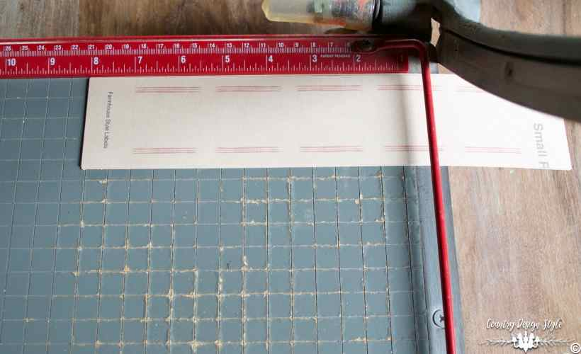 paper cutter guillotine farmhouse style labels | Country Design Style | countrydesignstyle.com