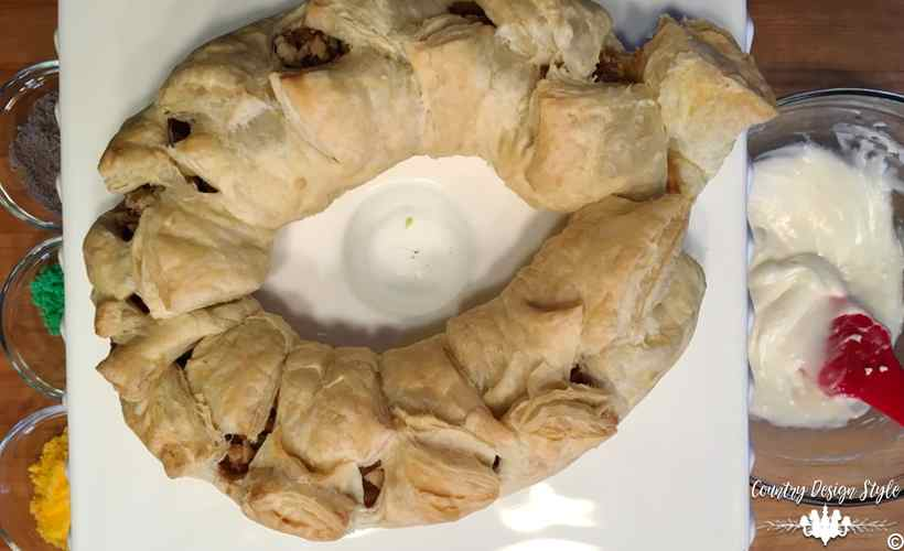 King Cake Easy Frosting and Sugars   Country Design Style   countrydesignstyle.com