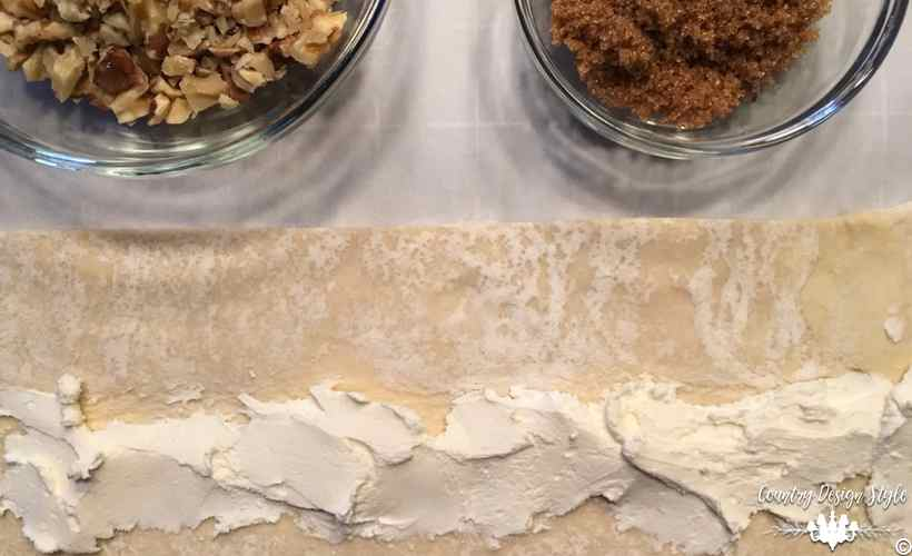 King Cake Easy cream cheese   Country Design Style   countrydesignstyle.com