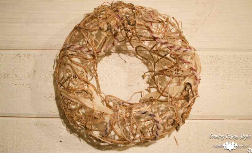 Making-a-mesh-wreath-of-twine-10 | Country Design Style | countrydesignstyle.com