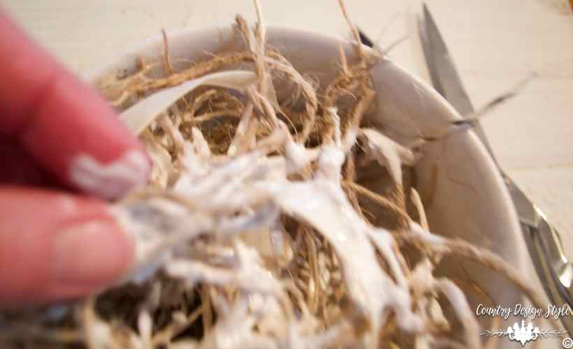 Making-a-mesh-wreath-of-twine-5 | Country Design Style | countrydesignstyle.com