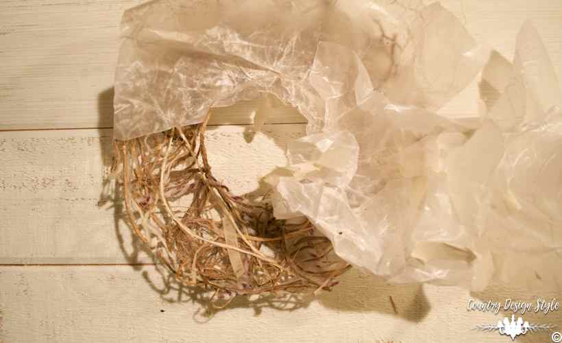 Making-a-mesh-wreath-of-twine-9 | Country Design Style | countrydesignstyle.com