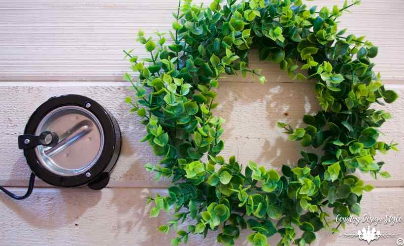 Make-your-own-wreath-faux-boxwood   Country Design Style   countrydesignstyle.com