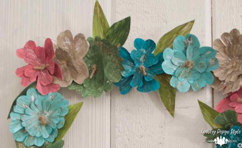 How-to-make-an-insane-metal-flower-wreath-this-weekend   Country Design Style   countrydesignstyle.com
