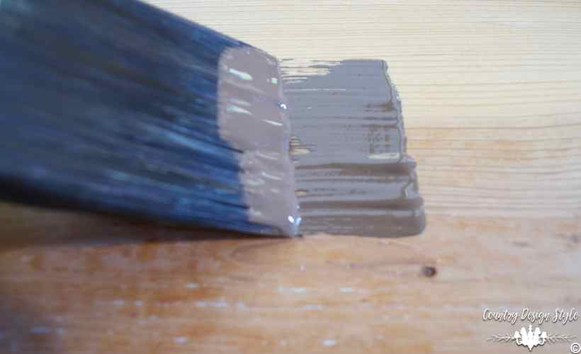 The-ultimate-guide-on-how-to-use-a-paint-brush | Country Design Style | countrydesignstyle.com