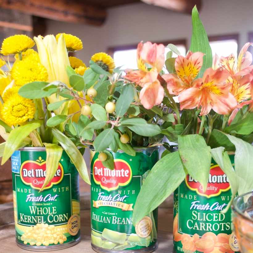 Tin Vase with flowers centerpiece upcycle tin cans | Country Design Style | countrydesignstyle.com