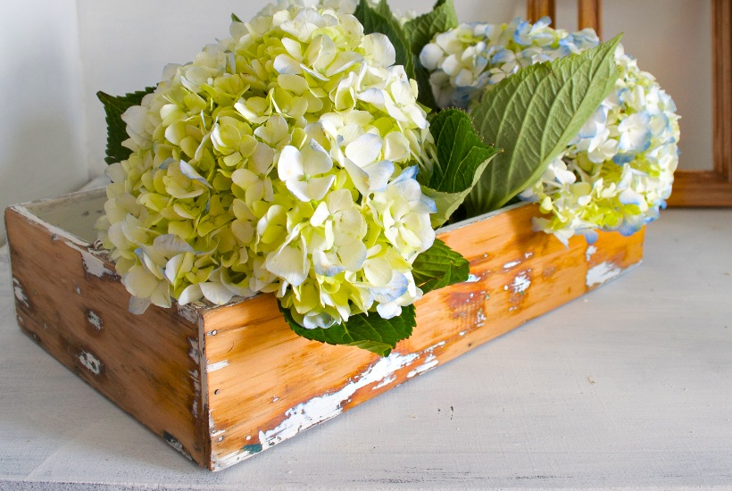 Thrift store cheap wood crates | Country Design Style | countrydesignstyle.com