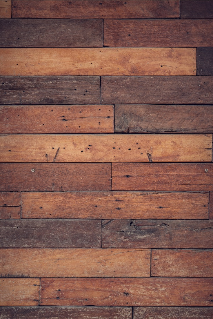Different types of reclaimed wood