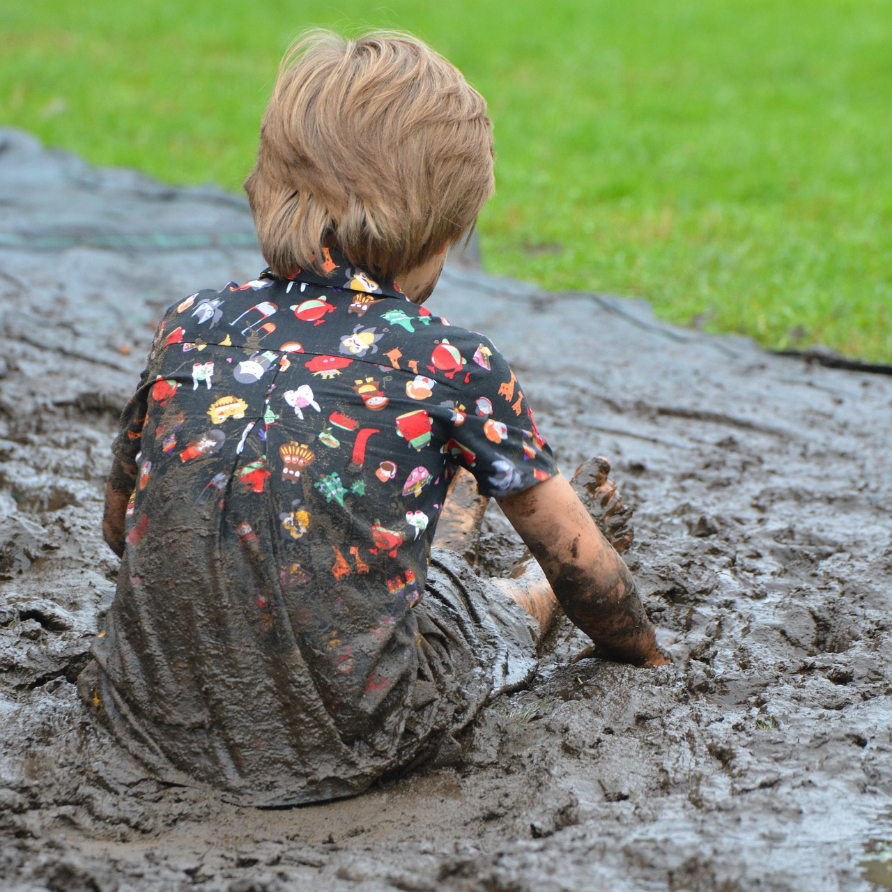 mud paint child
