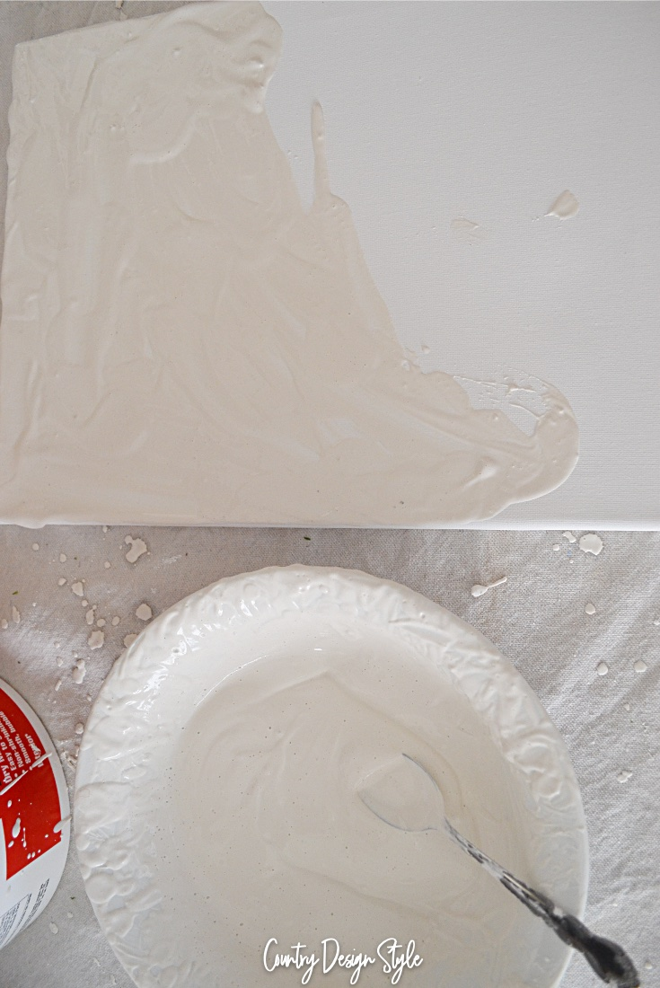 Mixing plaster and paint
