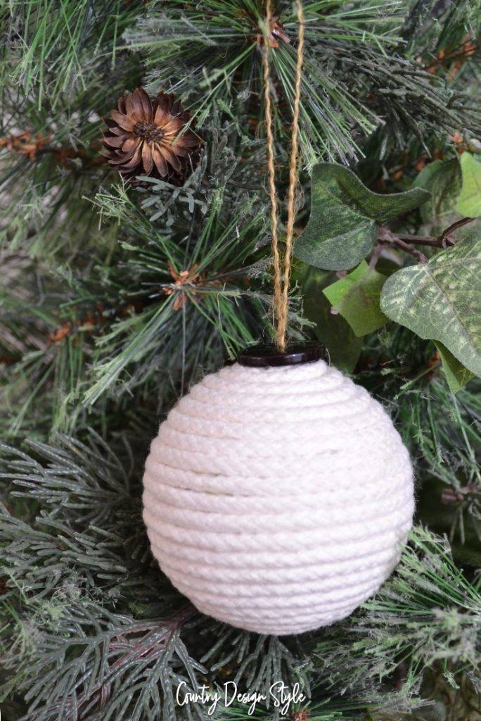 Clothesline farmhouse diy christmas ornament