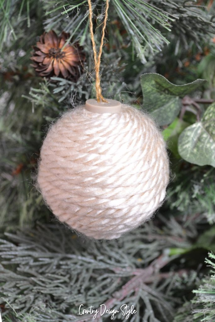 Yarn farmhouse diy christmas ornament