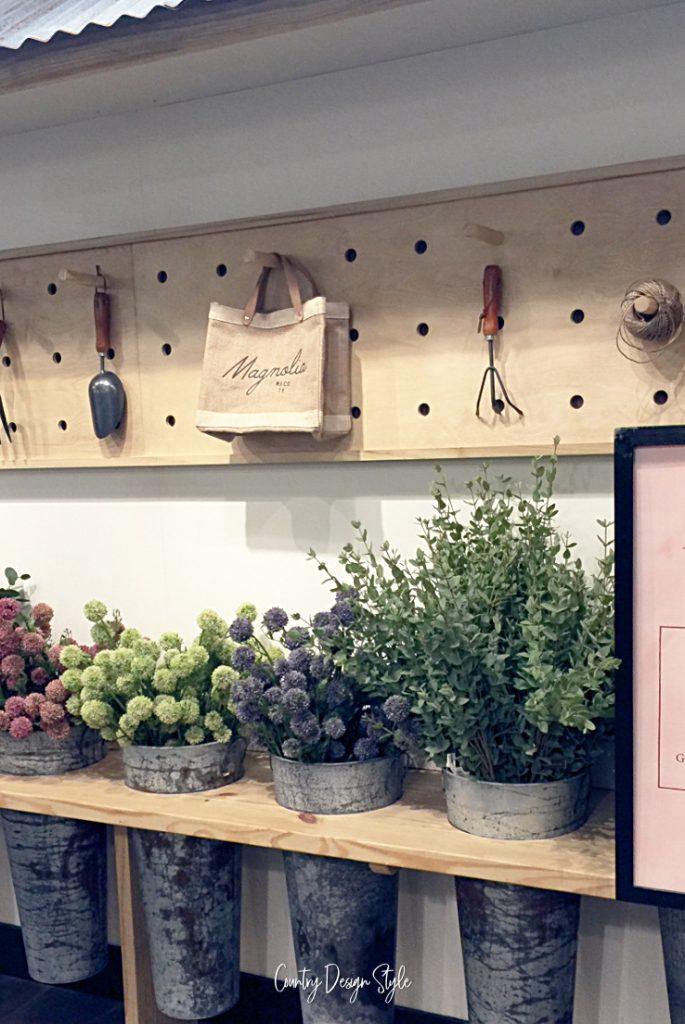 Magnolia and Mercantile shopping