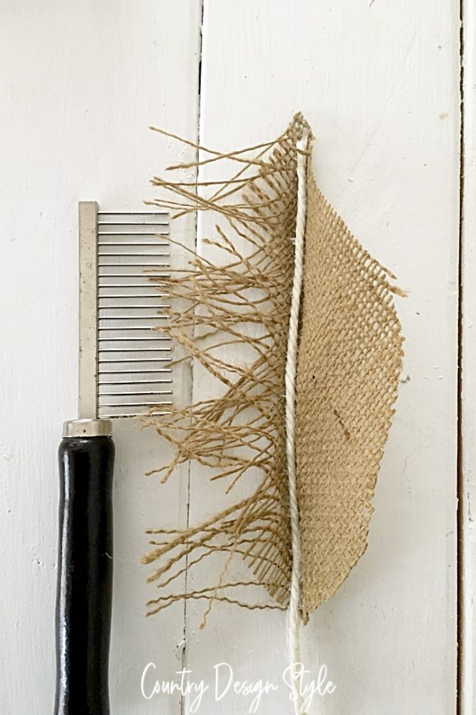 comb fibers of burlap
